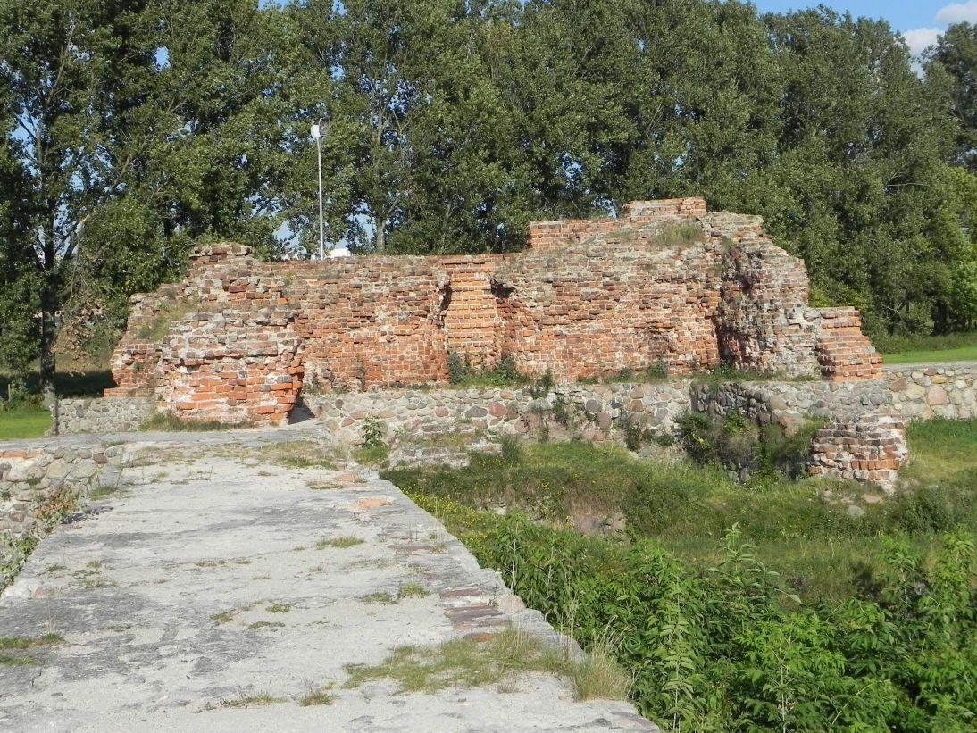 2011-09-13 Rawa Maz. - ruiny zamku (46)