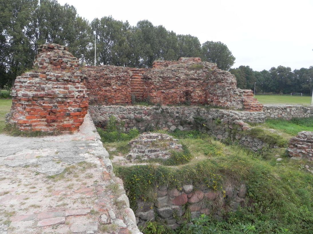 2011-09-20 Rawa Maz. - ruiny zamku (34)