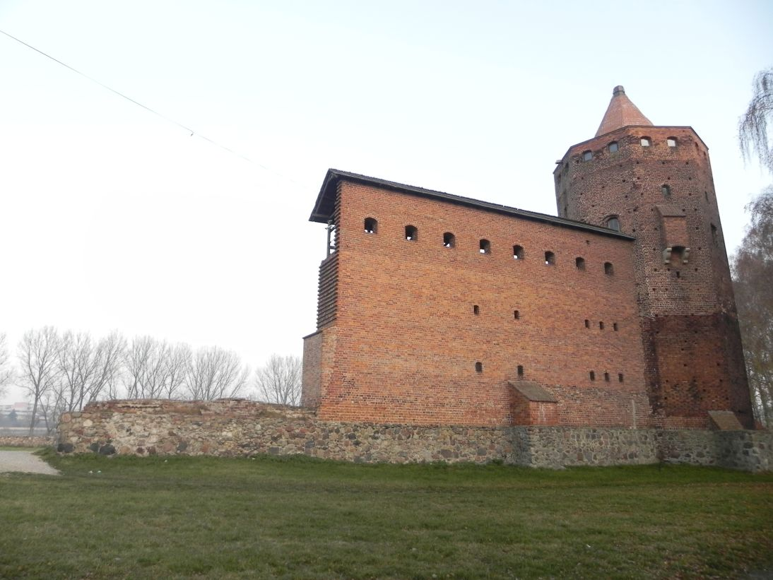 2011-11-22 Rawa Maz. - ruiny zamku (10)
