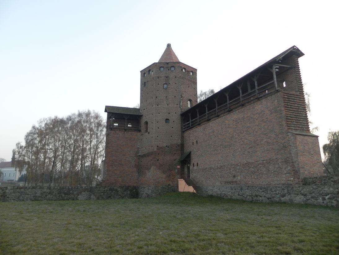 2011-11-22 Rawa Maz. - ruiny zamku (18)
