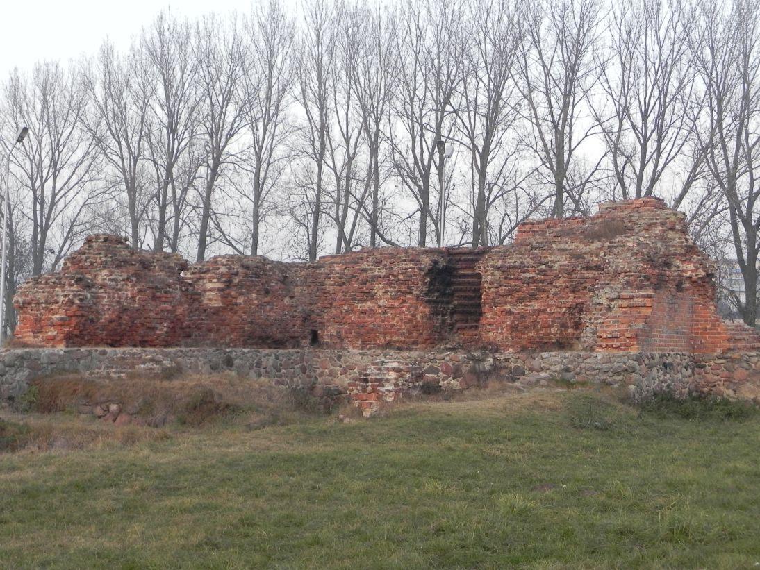 2011-11-22 Rawa Maz. - ruiny zamku (20)
