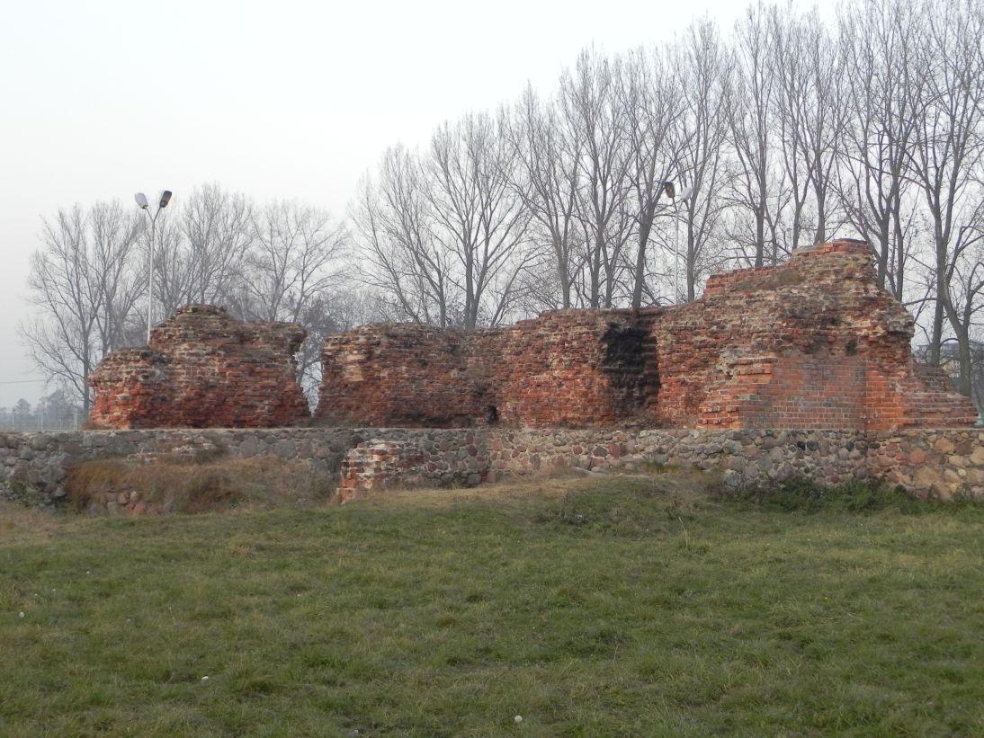 2011-11-22 Rawa Maz. - ruiny zamku (25)
