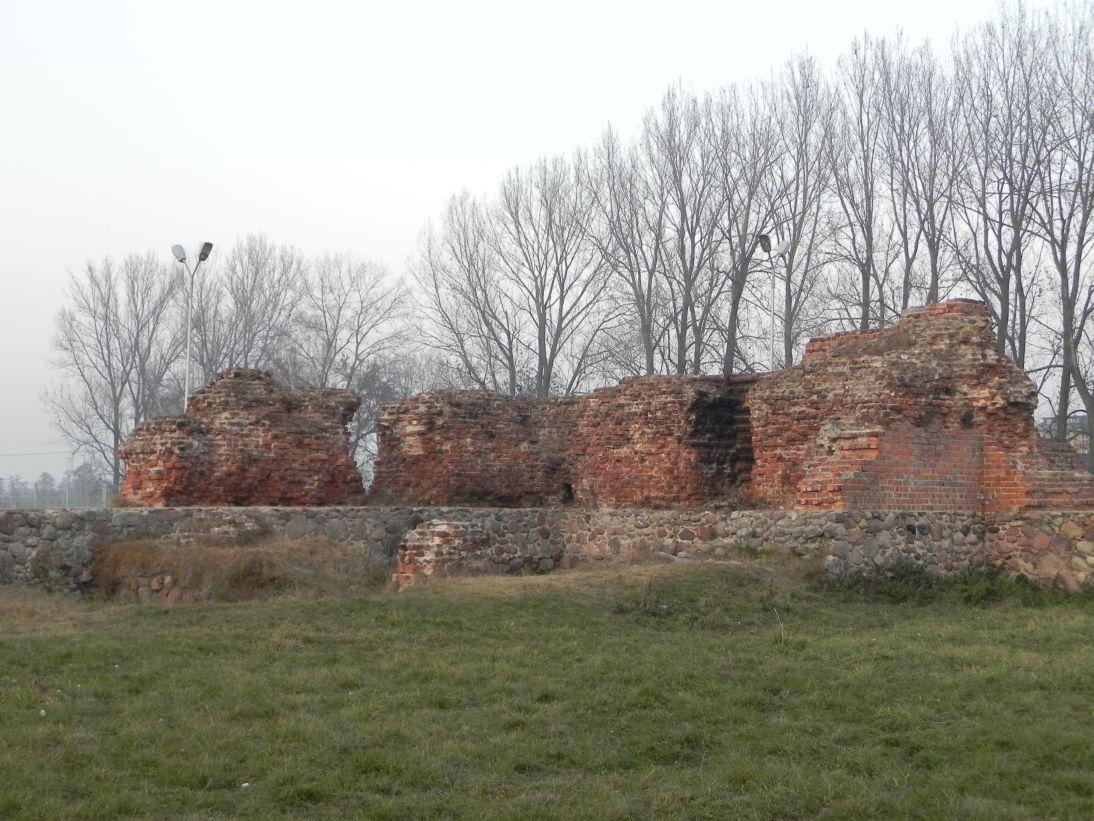 2011-11-22 Rawa Maz. - ruiny zamku (26)
