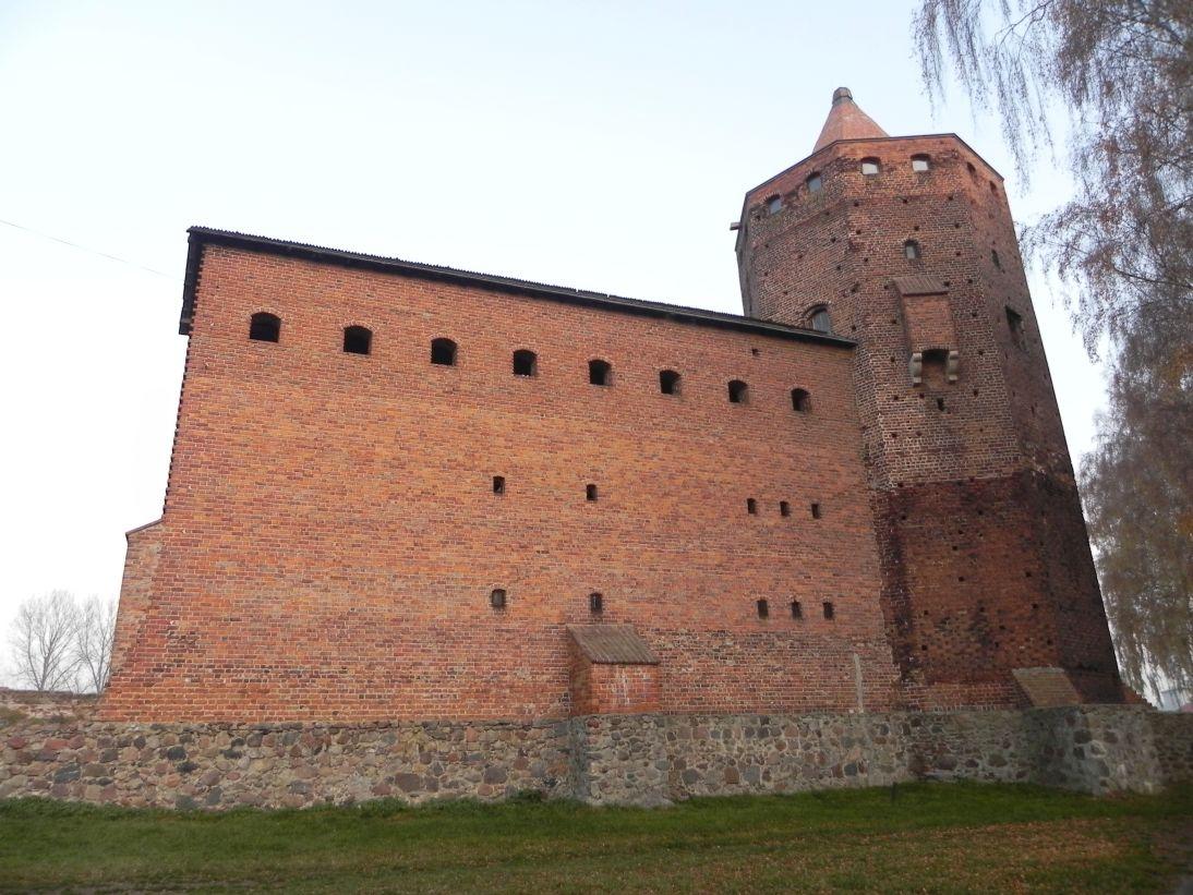 2011-11-22 Rawa Maz. - ruiny zamku (7)