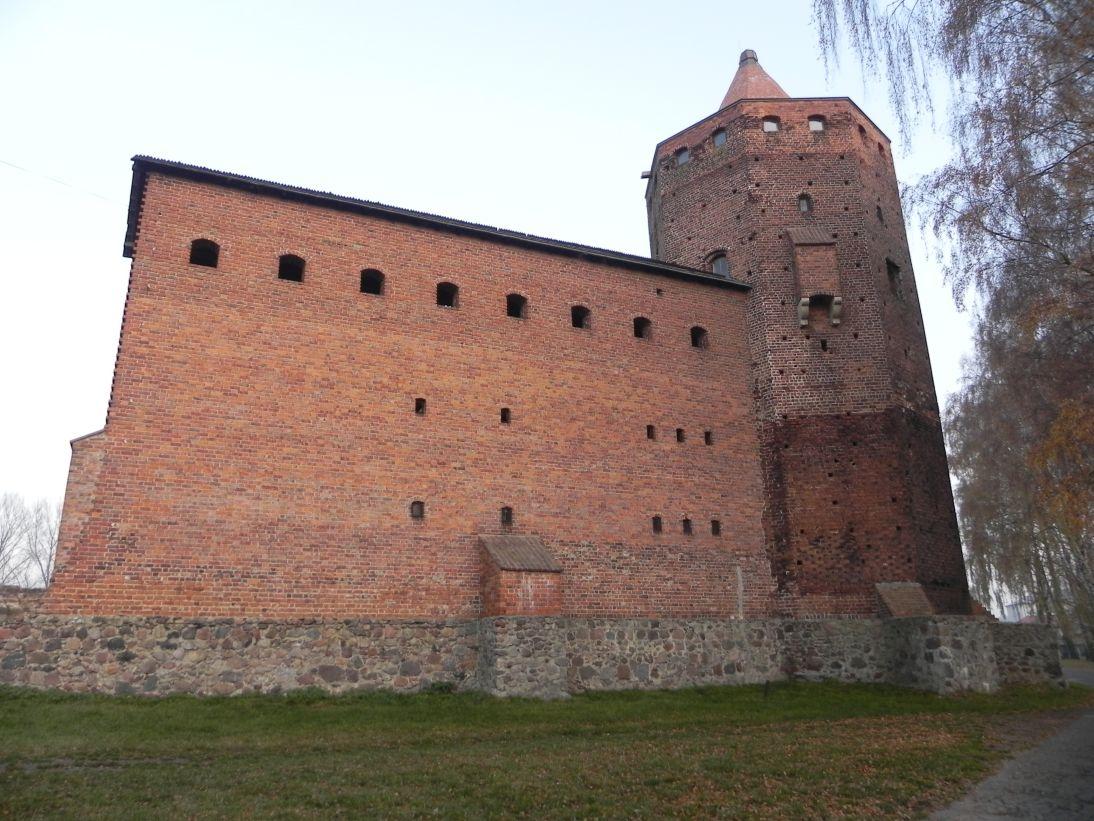 2011-11-22 Rawa Maz. - ruiny zamku (9)