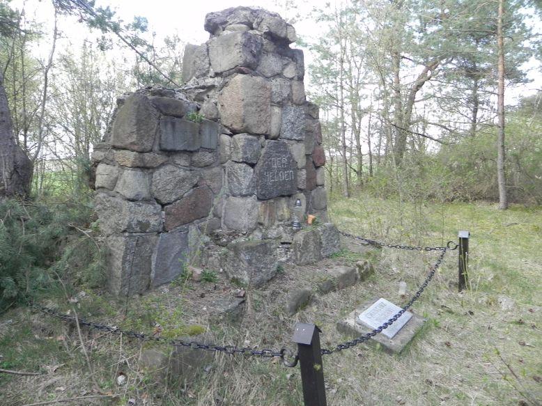 2018-04-14 Roszkowa Wola - cm. z I wojny światowej (14)