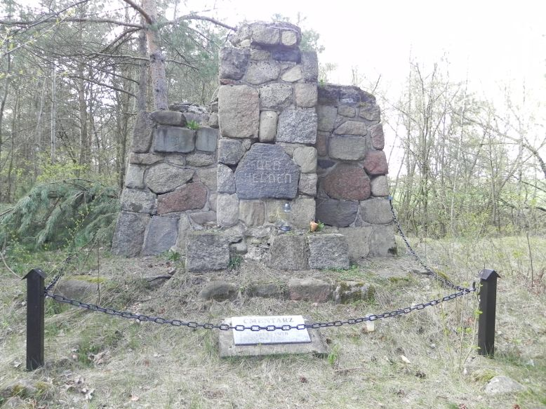 2018-04-14 Roszkowa Wola - cm. z I wojny światowej (15)