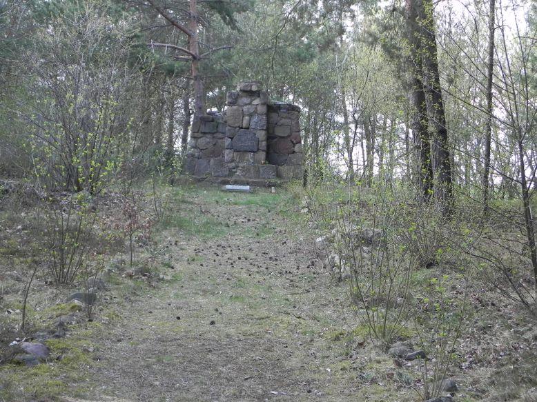 2018-04-14 Roszkowa Wola - cm. z I wojny światowej (4)