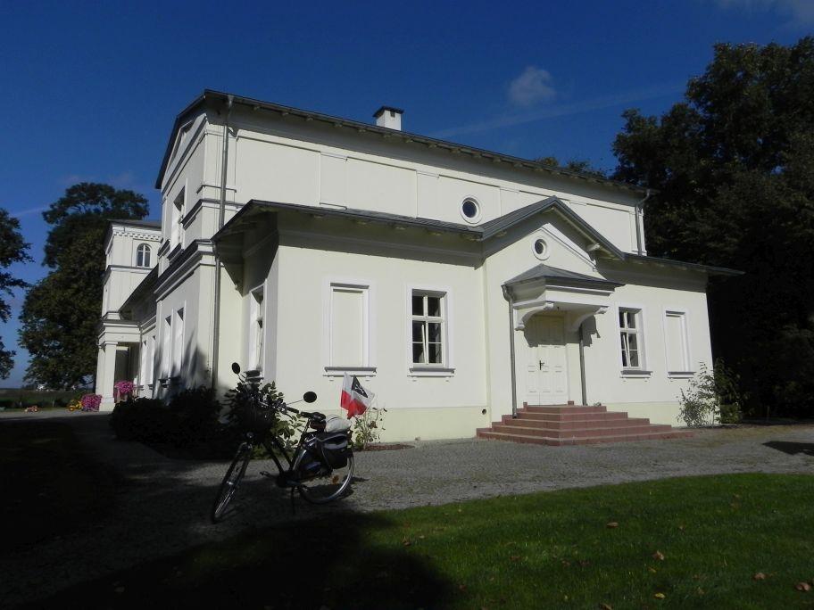 2011-10-02 Rylsk - pałac (22)