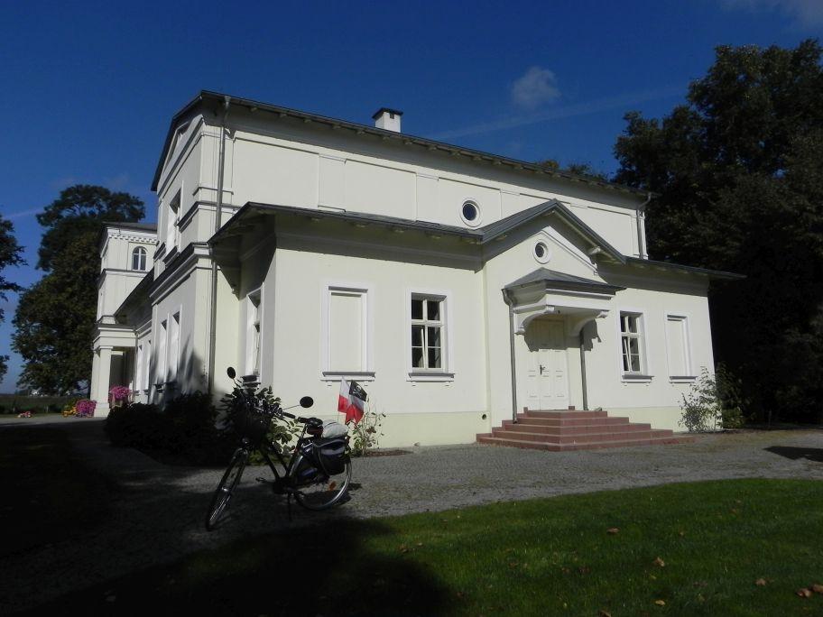 2011-10-02 Rylsk - pałac (23)