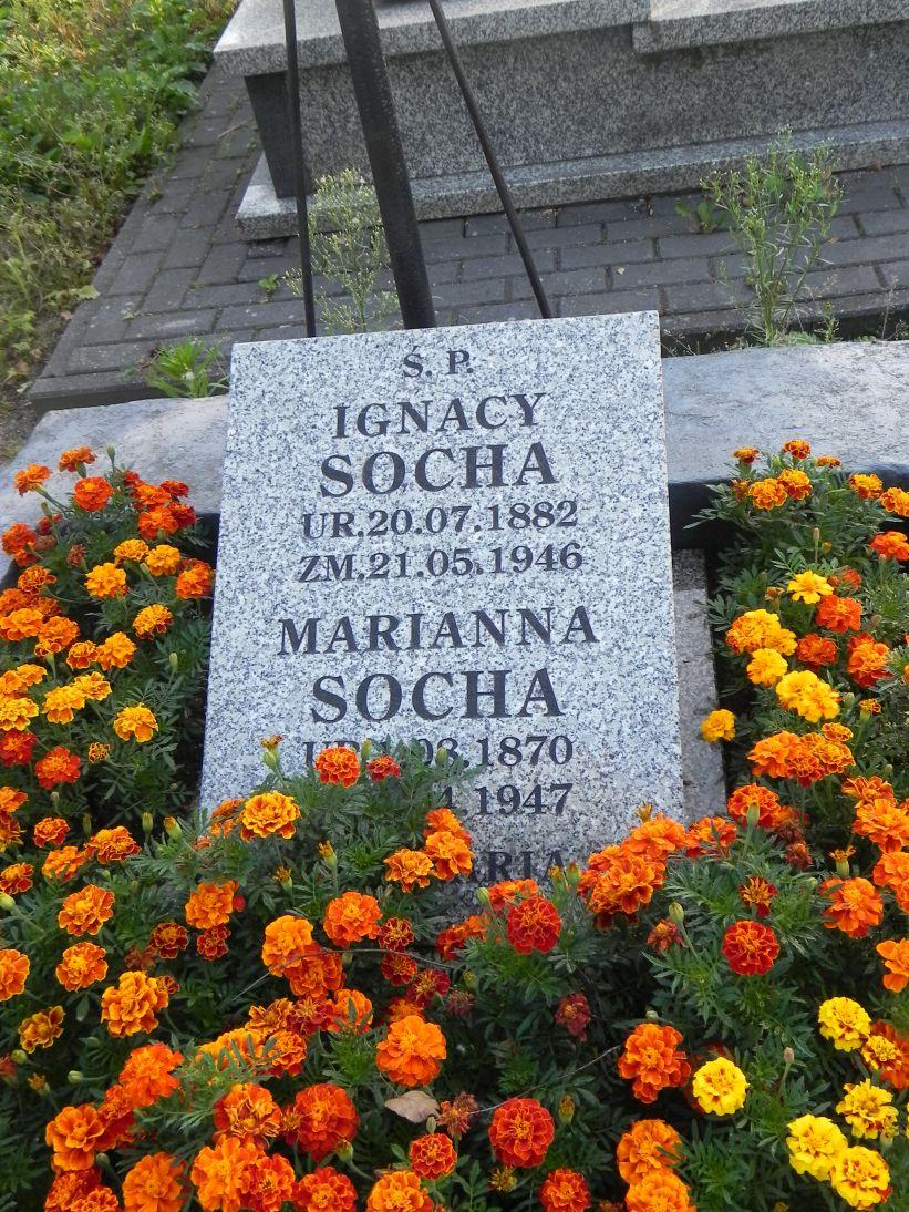 2012-08-05 Rzeczyca - cmentarz parafialny (9)