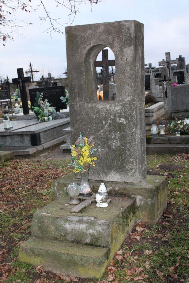 2018-12-31 Rzeczyca - cmentarz parafialny (117)