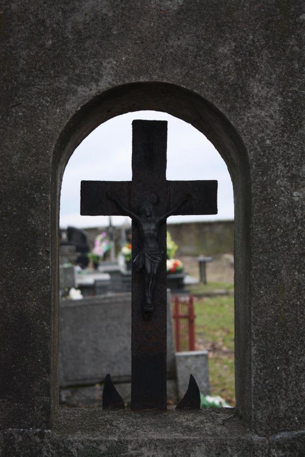 2018-12-31 Rzeczyca - cmentarz parafialny (121)