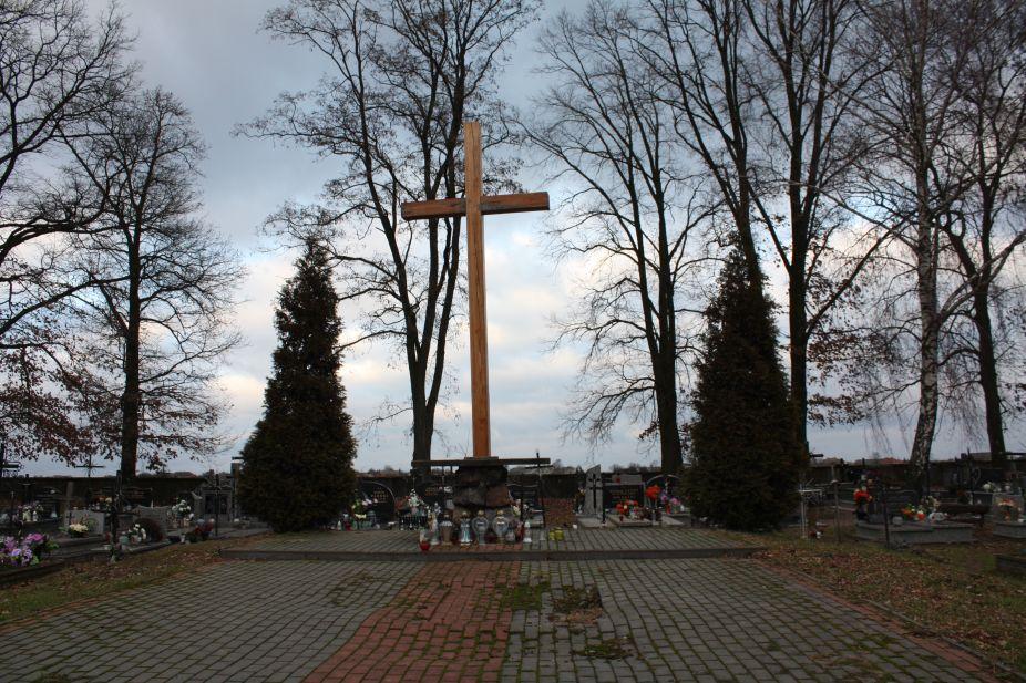2018-12-31 Rzeczyca - cmentarz parafialny (17)