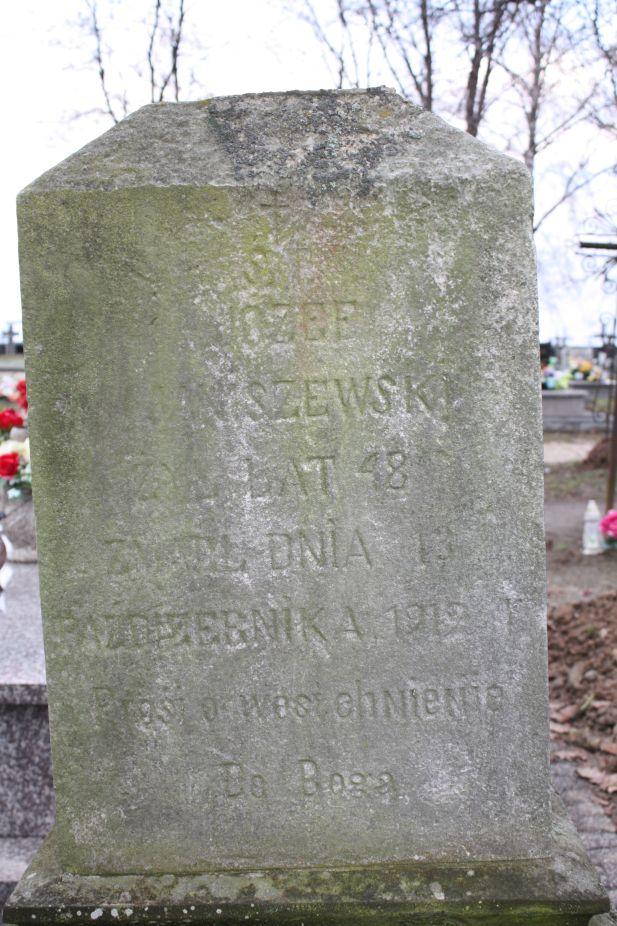 2018-12-31 Rzeczyca - cmentarz parafialny (22)