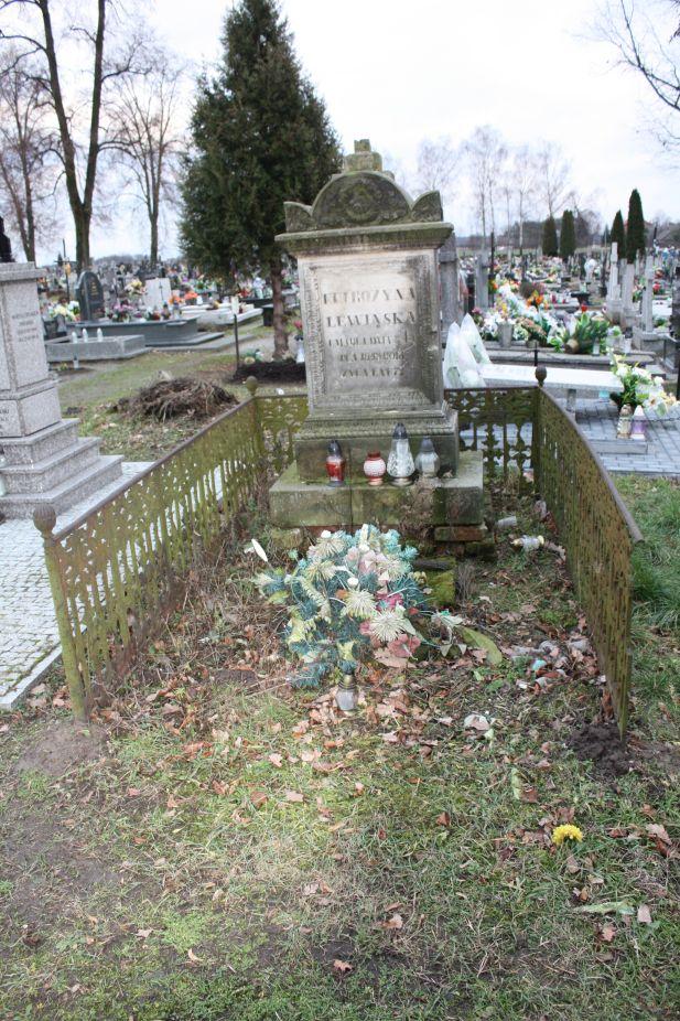 2018-12-31 Rzeczyca - cmentarz parafialny (78)