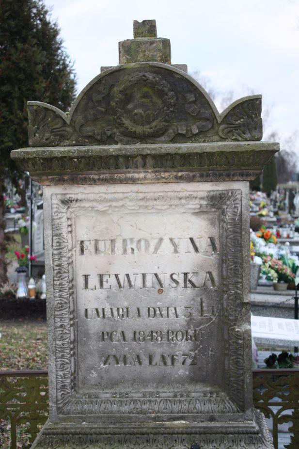 2018-12-31 Rzeczyca - cmentarz parafialny (80)