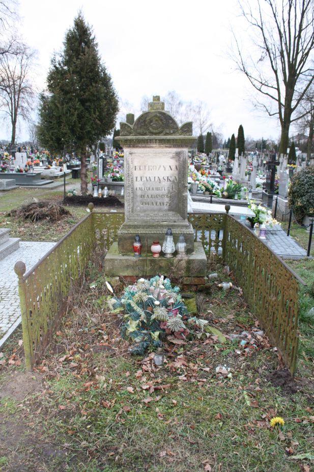 2018-12-31 Rzeczyca - cmentarz parafialny (81)
