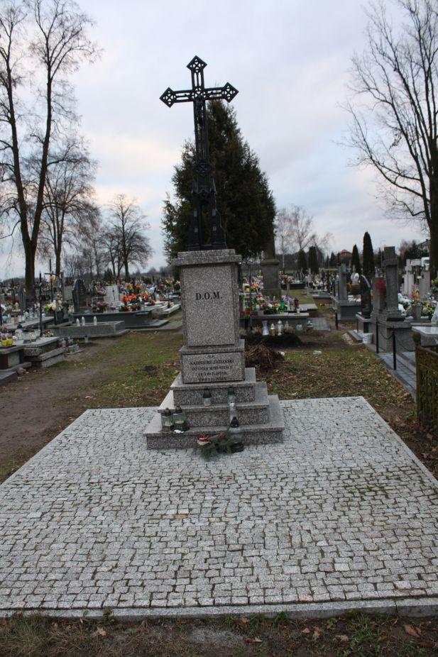 2018-12-31 Rzeczyca - cmentarz parafialny (86)