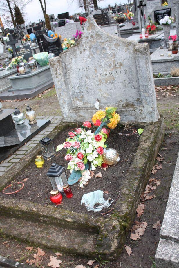 2018-12-31 Rzeczyca - cmentarz parafialny (91)