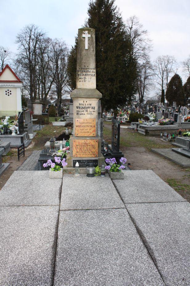 2018-12-31 Rzeczyca - cmentarz parafialny (95)