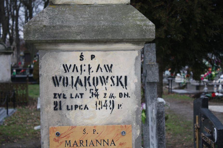 2018-12-31 Rzeczyca - cmentarz parafialny (99)