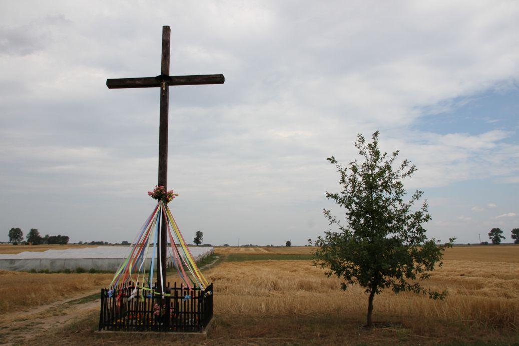 2019-07-28 Gustawów krzyż nr1 (2)