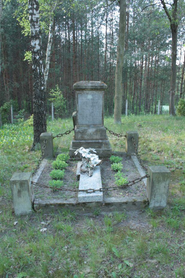 2018-05-13 Stanisławów Lipski - cmentarz ewangelicki (30)