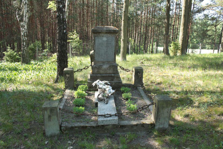 2018-05-13 Stanisławów Lipski - cmentarz ewangelicki (32)