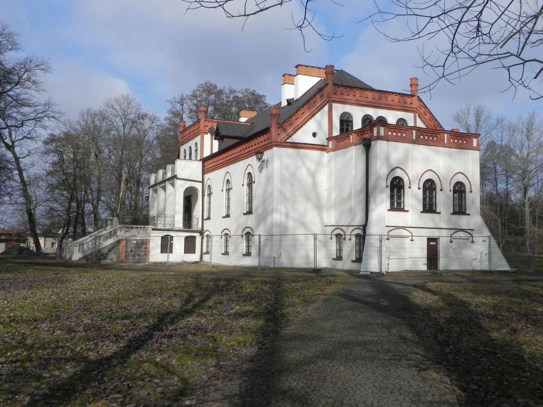 2010-01-04 Ujazd - pałac i młyn (29)
