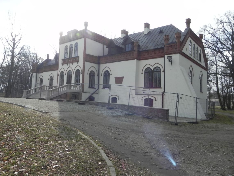 2010-01-04 Ujazd - pałac i młyn (60)