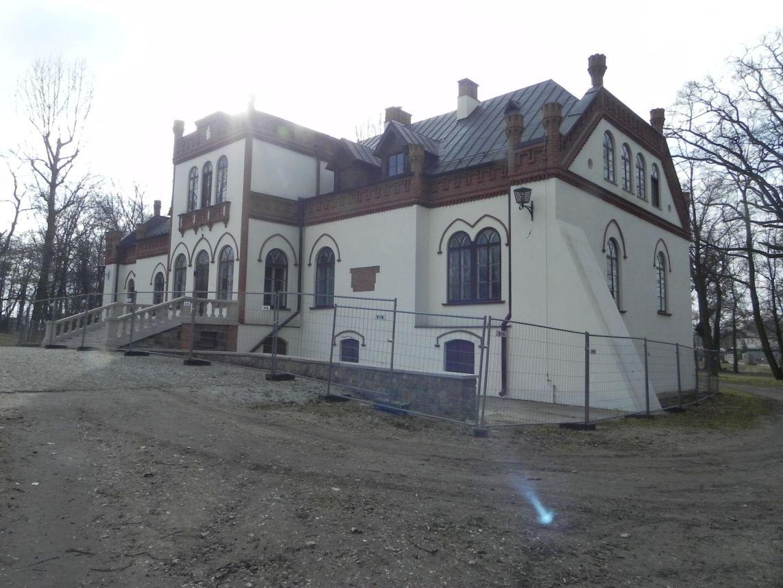 2010-01-04 Ujazd - pałac i młyn (61)