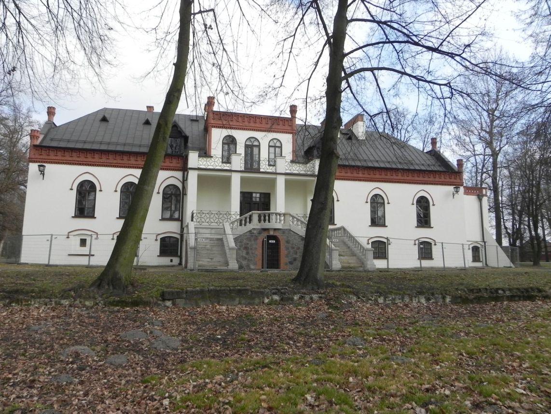 2010-01-04 Ujazd - pałac i młyn (64)