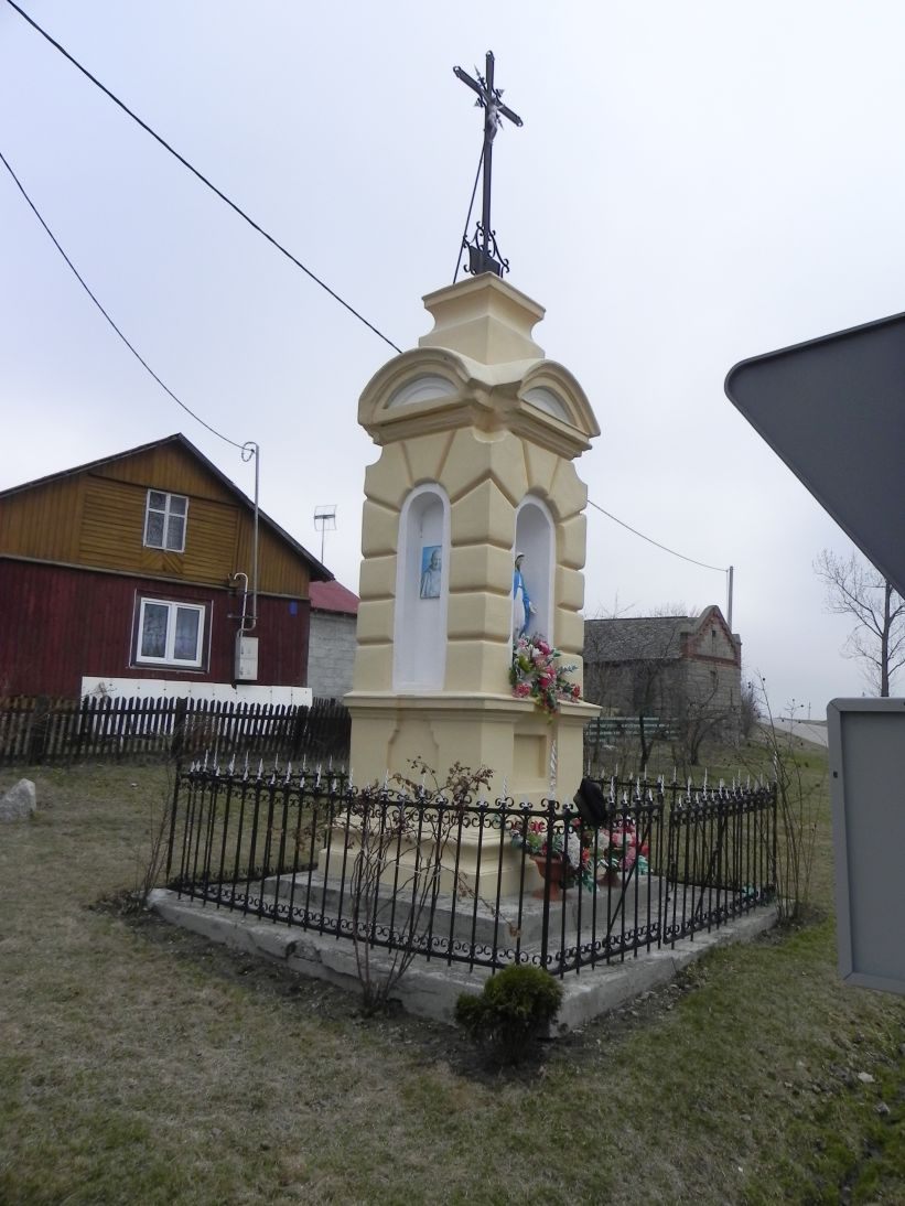 2012-03-25 Janisławice kapliczka nr1 (2)