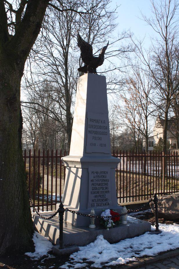 2019-02-09 Wysokienice - pomnik (3)