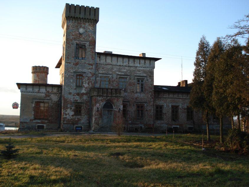 2007-01-21 Biała Rawska - zamek (1)