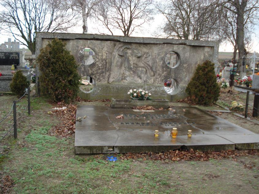 2007-01-14 Żelazna - cmentarz parafialny (18)