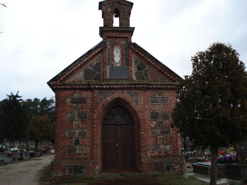 2007-01-14 Żelazna - cmentarz parafialny (4)