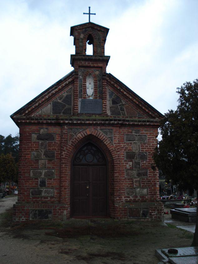 2007-01-14 Żelazna - cmentarz parafialny (5)