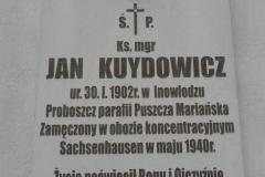 2011-04-10 Inowłódz - kościół murowany (3)