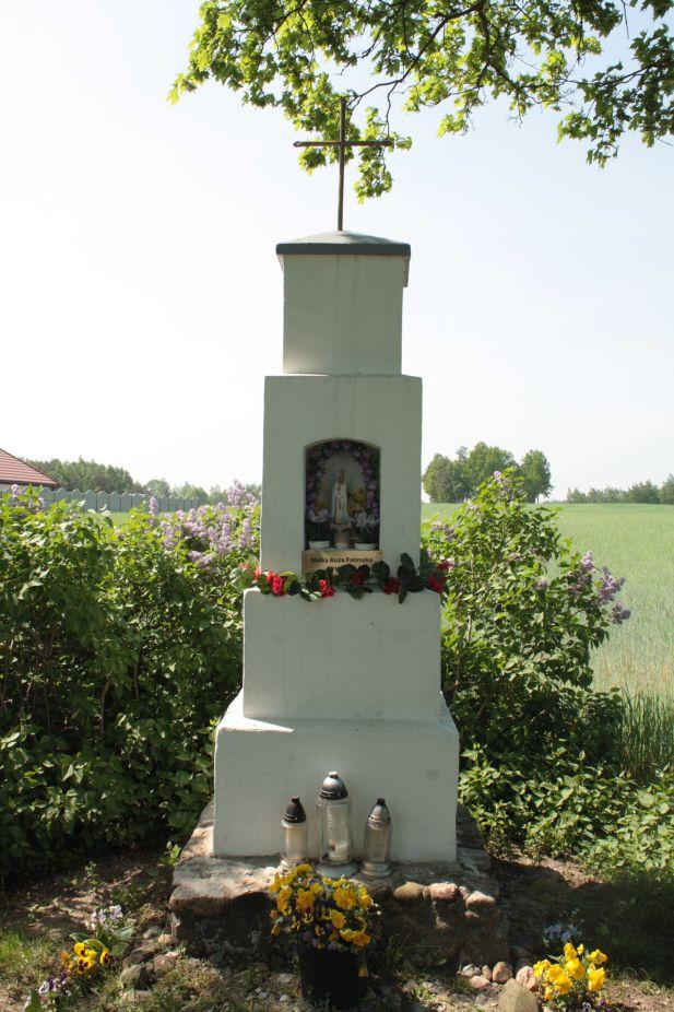 2018-05-04 Kolonia Głuchówek kapliczka nr1 (12)