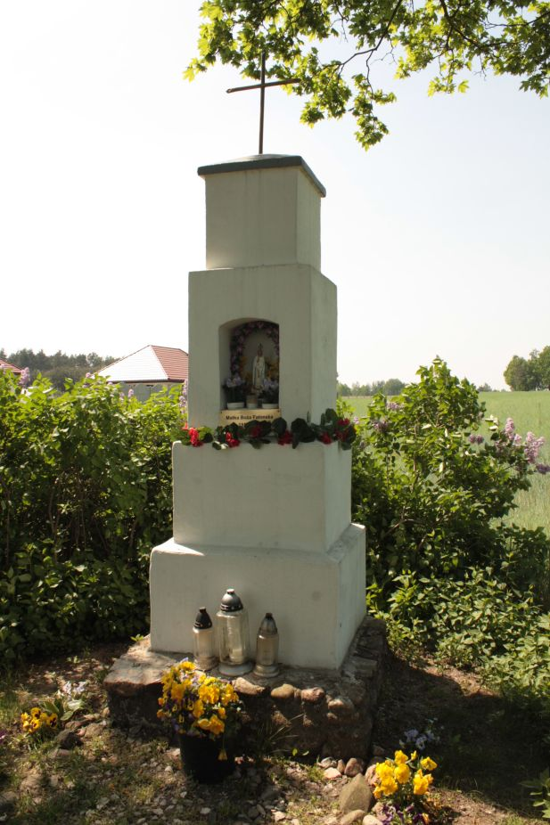 2018-05-04 Kolonia Głuchówek kapliczka nr1 (21)