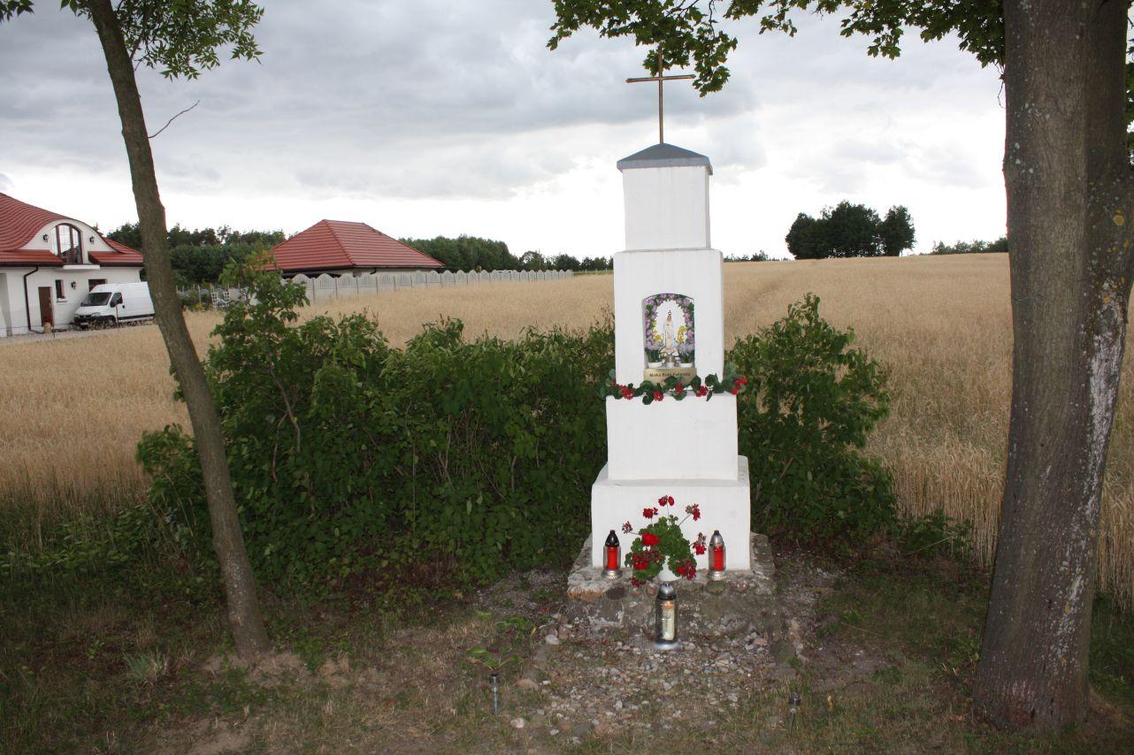 2018-07-01 Kolonia Głuchówek kapliczka nr1 (2)