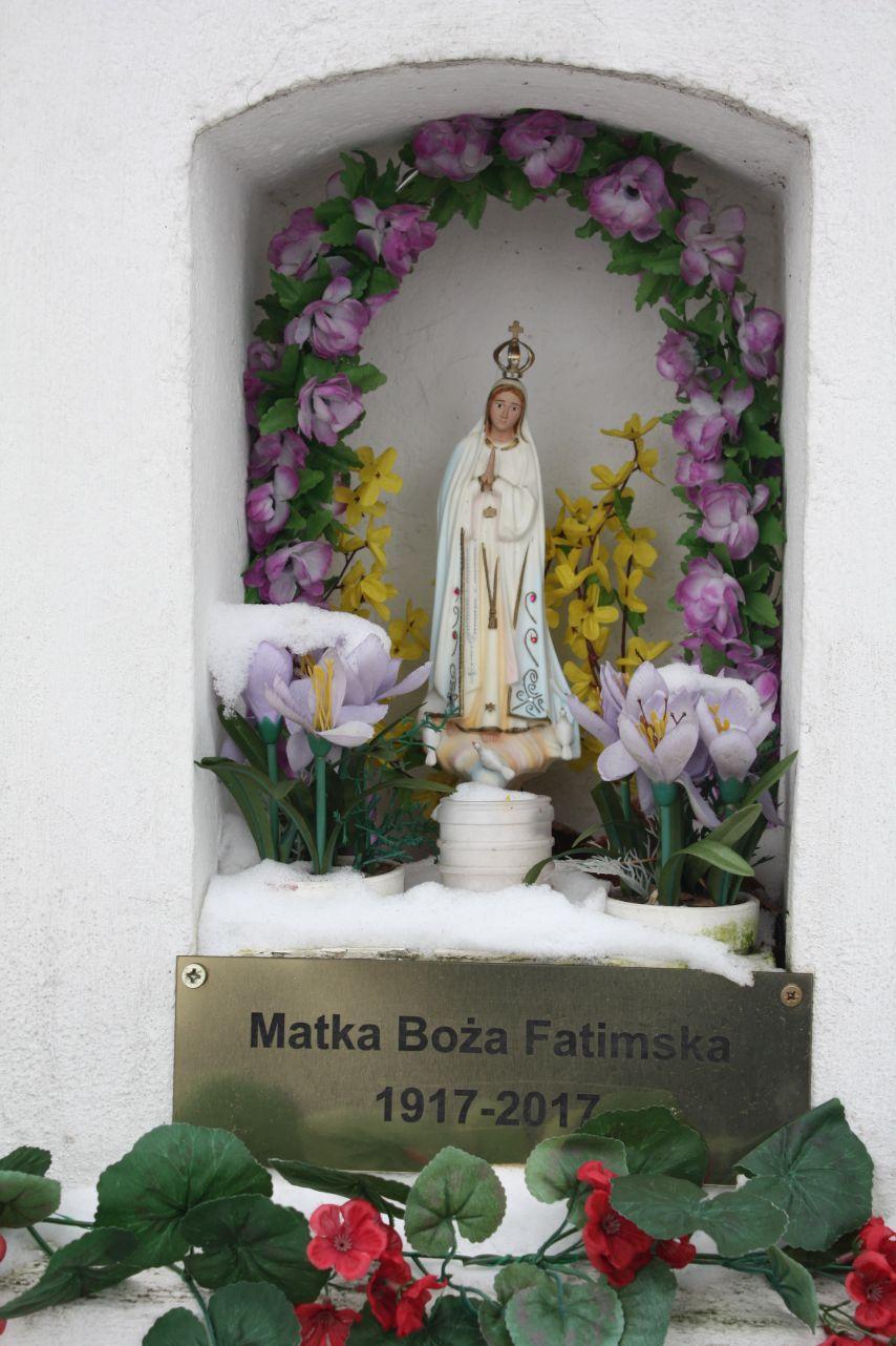 2018-12-20 Kolonia Głuchówek kapliczka nr1 (11)