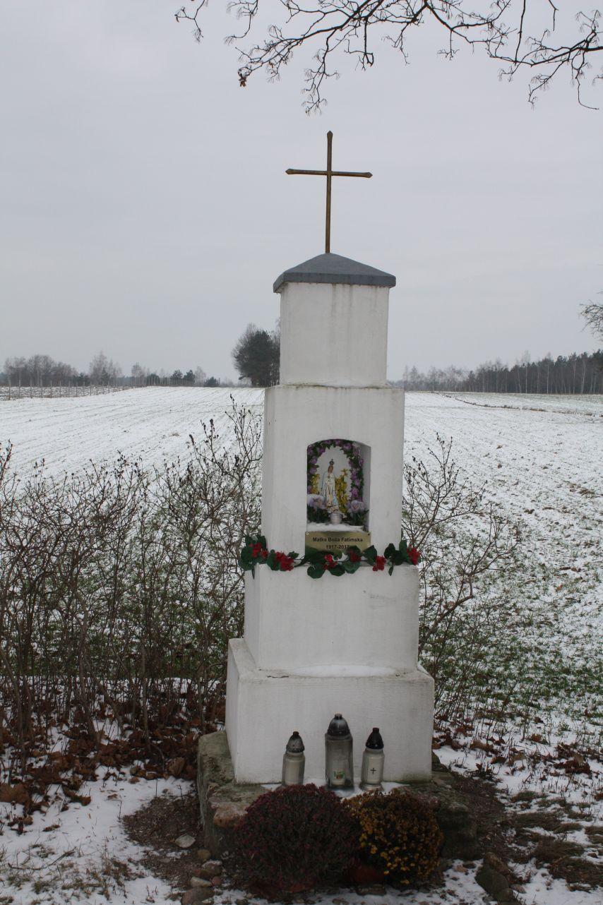 2018-12-20 Kolonia Głuchówek kapliczka nr1 (3)