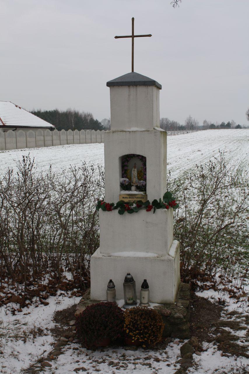 2018-12-20 Kolonia Głuchówek kapliczka nr1 (6)