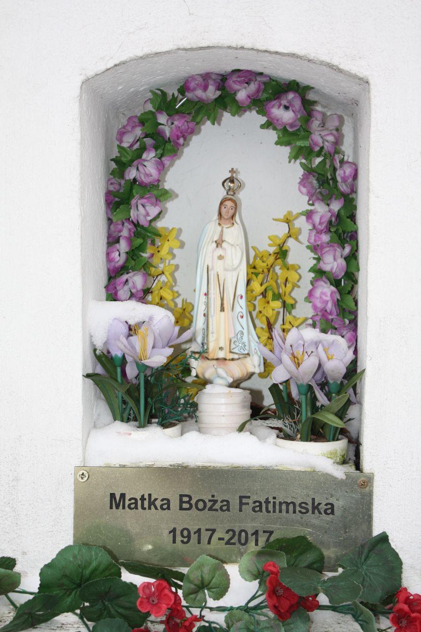 2018-12-20 Kolonia Głuchówek kapliczka nr1 (9)