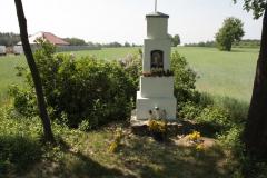2018-05-04 Kolonia Głuchówek kapliczka nr1 (14)