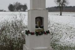 2018-12-20 Kolonia Głuchówek kapliczka nr1 (8)