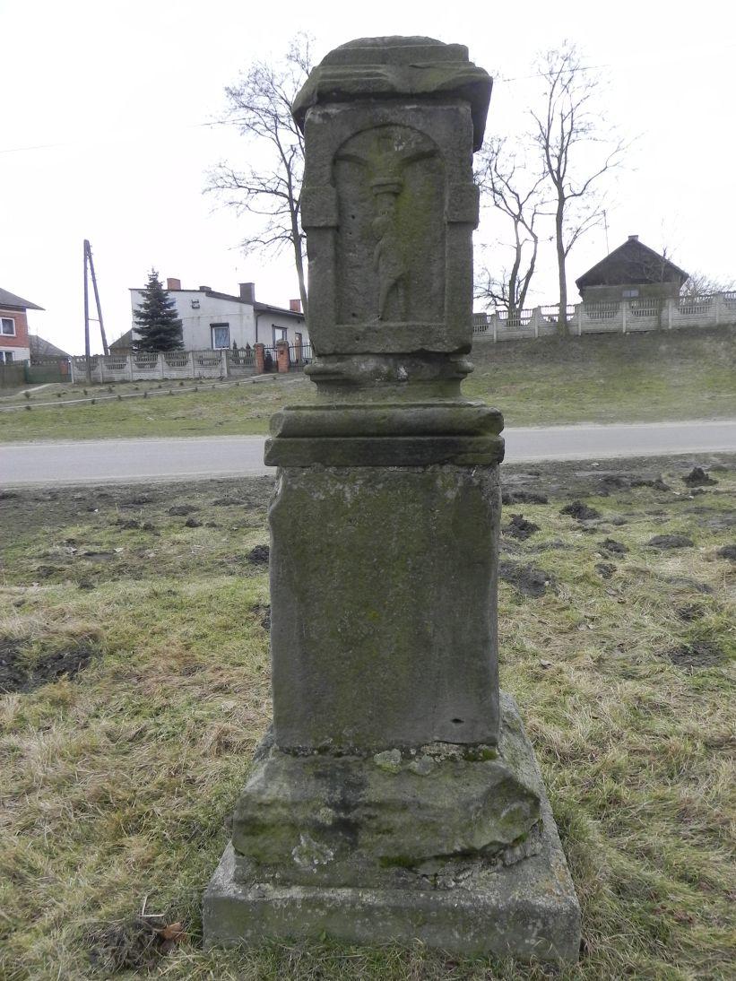 2011-02-09 Krzemienica kapliczka nr1 (4)